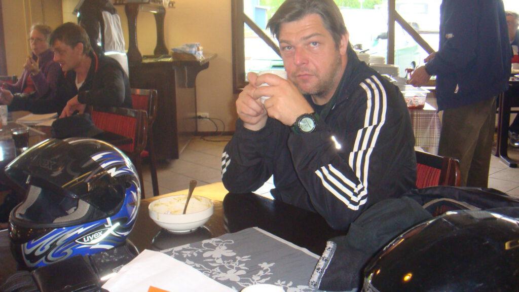 Jens am Polarkreis mit Suppe