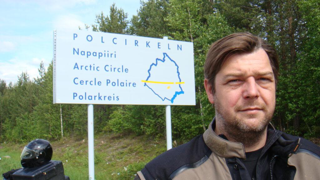 Jens am Polarkreis-Schild